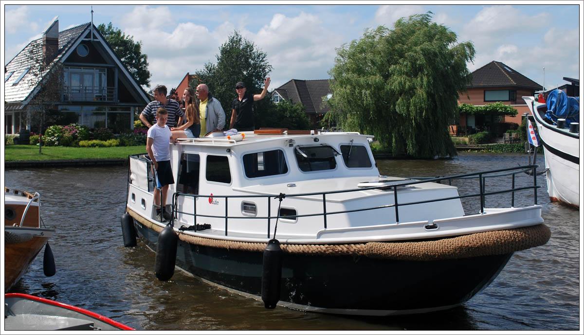 hausboot und ferienhaus mieten buchen in holland. Black Bedroom Furniture Sets. Home Design Ideas